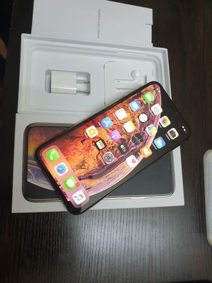 iPhone xs max used battery 100% for Sale in Culver City, CA