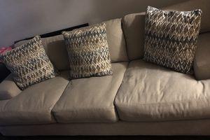 Beige Sofa for Sale in Vallejo, CA