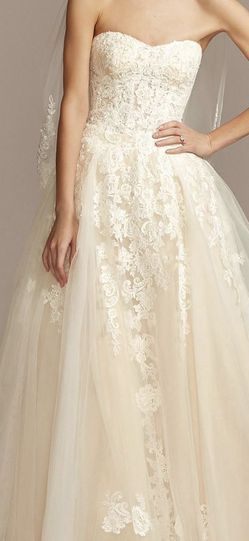 Wedding Dress - Size 10 (Never used) for Sale in Ontario,  CA