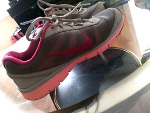 Nike Woman's athletic shoe for Sale in St. Louis, MO