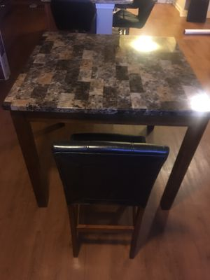 Kitchen table x Chairs for Sale in Roswell, GA