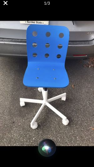 Kids desk chair for Sale in Clifton, NJ