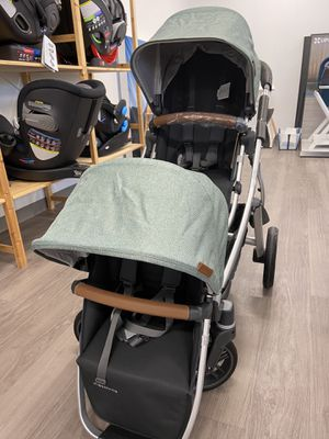 UPPAbaby Vista V2 Double Stroller In Emmett Green for Sale in Scottsdale, AZ