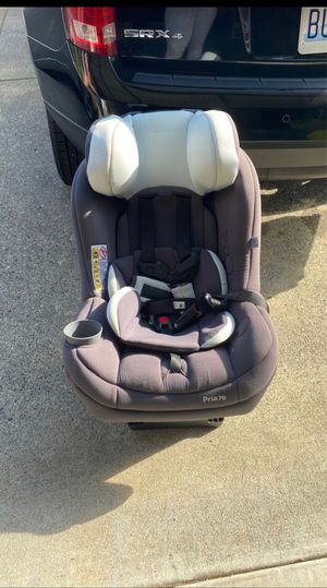 Car Seat and Base for Sale in Everett, WA