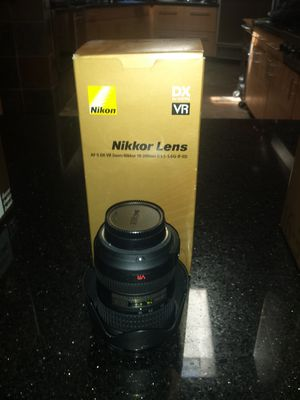 Nikon 18-200 lens for Sale in Scottsdale, AZ
