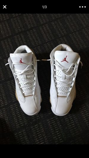 Jordan 13s white and gold. Worn once. Sz 9.5. for Sale in San Diego, CA