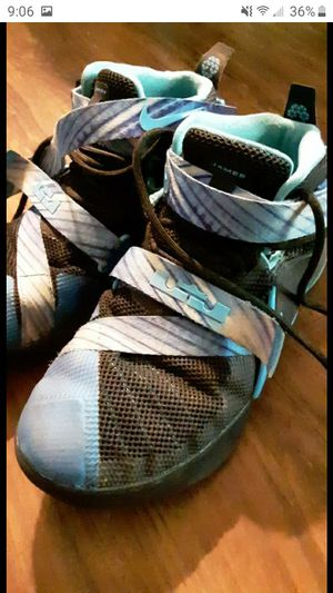 Size 6 lebrons for Sale in Mantua, OH