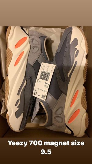 Yeezy 700 magnet size 9.5 for Sale in The Bronx, NY