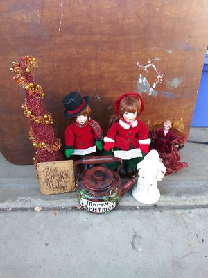 7 Christmas figures & decor for 1 low price for Sale in Corona, CA