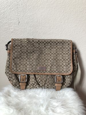 Authentic Coach messenger bag for Sale in Las Vegas, NV