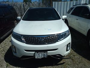2014 Kia Sorento salvage title for Sale in Cleveland, OH