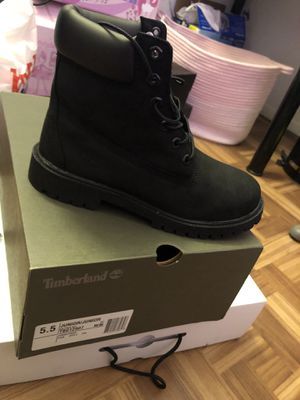 Timberlands sz 5.5 (Junior) for Sale in Stockton, CA