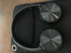 Sony bluetooth headphones for Sale in Portland, OR