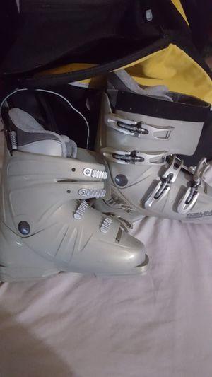 Womens ski boots (5-1/2 size) for Sale in Los Angeles, CA