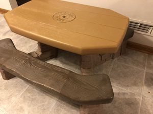 STEP 2 PICNIC TABLE for Sale in Parma Heights, OH