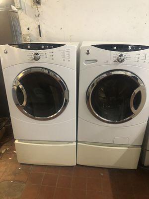 53X27X28 GE washer and Gas dryer with pedestal/lavadora y secadora gas for Sale in Perth Amboy, NJ