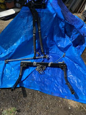 Tow bar with hubs for Sale in Buckley, WA