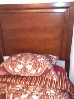 Twin Size Bed for Sale in Clearwater,  FL