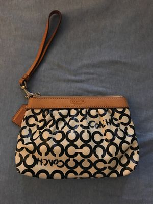 COACH wristlet for Sale in Windsor, ON