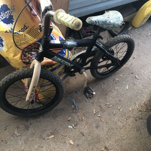 """16"""" Huffy Alpha Bravo Army Bicycle for Sale in Houston, TX"""
