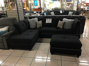 Reversible Chaise Sectional for Sale in Phoenix, AZ