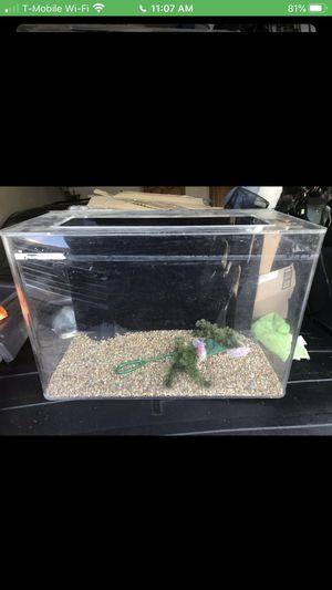 20 Gallon acrylic fish tank for Sale in Long Beach, CA