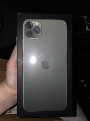 iPhone 11 pro max for Sale in Rocky Mount, VA