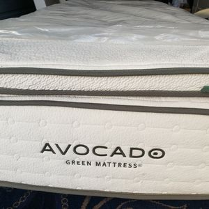 Twin Xl Bed Mattress Set Box Spring Bed Frame for Sale in Lynnwood, WA