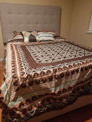 Queen bed with box spring for Sale in San Jose, CA