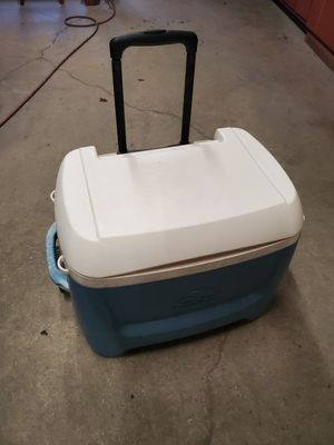 Very large rolling igloo cooler for Sale in Morton Grove, IL