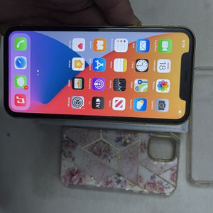 iPhone 11 64 for Sale in Nashville, TN