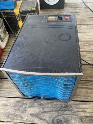 Cabellas 10 tray food dehydrator for Sale in Gonzales, LA
