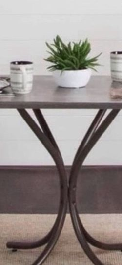 Breakfast table and 2 chairs for Sale in Cleveland,  OH