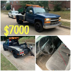 2002 CHEVY SELF LOADER TOW TRUCK for Sale in Baltimore, MD