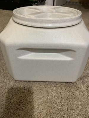 Container water/air tight for Sale in Richmond, VA