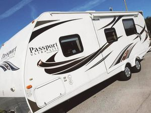 🚚💨One Owner Price💲1000 Keystone Passport Ultralite Travel Trailer 2012 for Sale in Fort Worth, TX