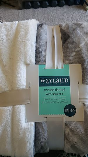 Flannel throw blanket for Sale in Malden, MA