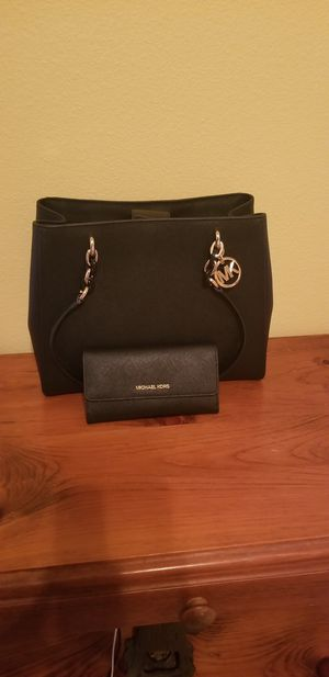 BEAUTIFUL AND PERFECT GIFT! SHE WILL ABSOLUTELY LOVE! for Sale in Colleyville, TX