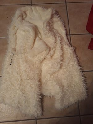 Women's fur vest size S/M for Sale in Hickory Hills, IL