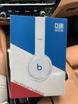 BRAND NEW beats solo 3 wireless headphones for Sale in Boston, MA