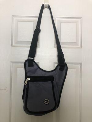 NWOT - Everest Grey Sling side messenger Bag purse for Sale in Chula Vista, CA