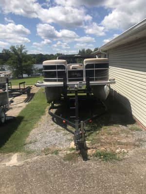 2012 Berkshire pontoon and trailer 4 stroke for Sale in Mt. Juliet, TN
