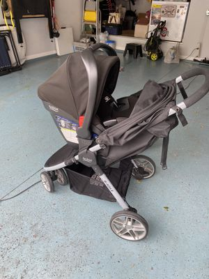 Britax Bsafe 35 BAgile travel system for Sale in Russells Point, OH