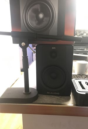 M-Audio BX5 D2 set includes microphone set and acoustic foam pads for speakers for Sale in Cary, IL