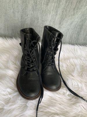 Women's boots size 6M for Sale in Zephyrhills, FL