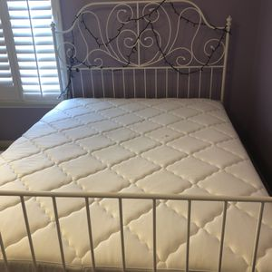 Bed frame full size for Sale in San Diego, CA