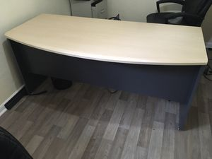 "Office desk - Modern office Desk: 66"" wide, 29"" long, 30"" high for Sale in Gulfport, FL"