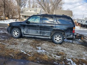 03 Yukon Denali for Sale in Des Moines, IA