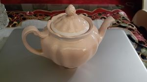 Vintage pink Straffordshire teapot. for Sale in Kingsley, PA