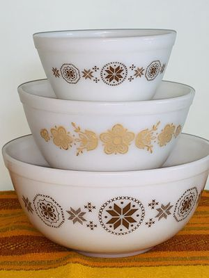 PYREX NESTING MIXING BOWLS VINTAGE - Unused for Sale in Quincy, MA